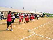 ソフト・キックベースボール大会の始球式